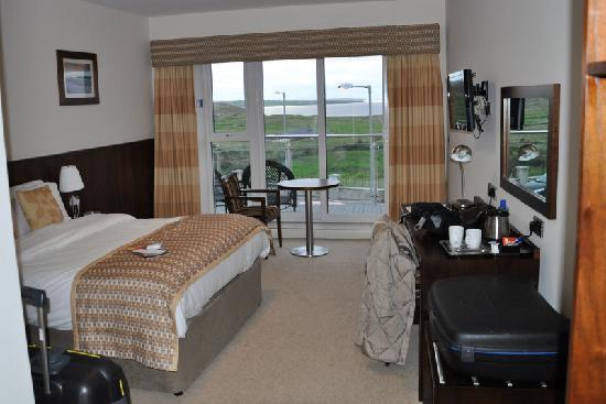 Strandhill Lodge and Suites Hotel: La camera con balcone