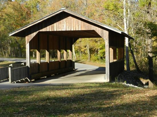 David Crockett State Park: covered bridge