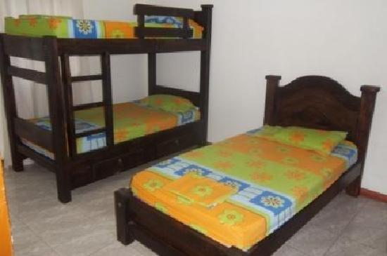 Cali Hostel: dormitorio 3 personas