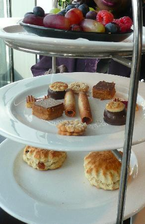 Afternoon Tea at Rafayel on the Left Bank: Finale- scones, little sweets and scraps of fruit