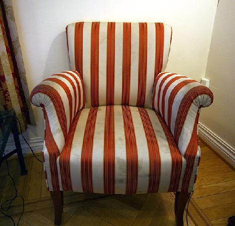 Residence Kristinelund: dirty armchair