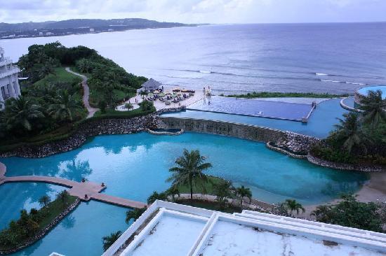 Sheraton Laguna Guam Resort: Infinity pool + view