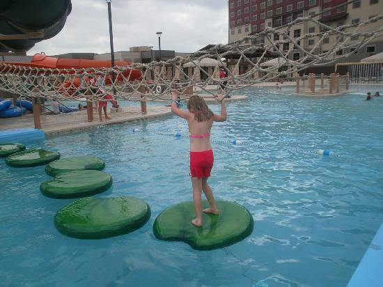 Great Wolf Lodge Grapevine: the outside park