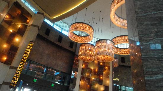 The Fox Tower at Foxwoods : the lobby