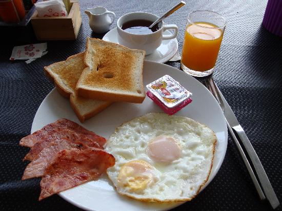 Limburi Hometel: Delicious Breakfast