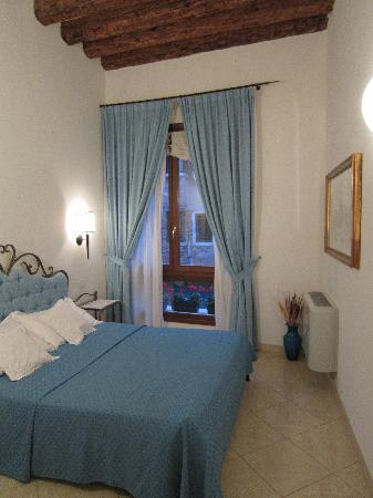 Alla Vite Dorata : Bedroom