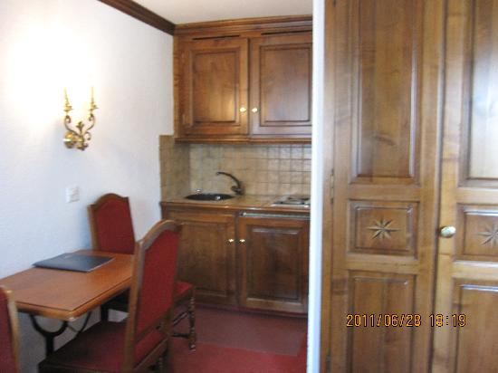 Hotel Rex: 部屋のキッチン