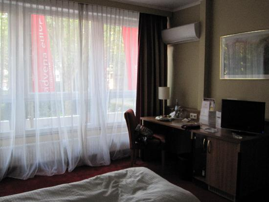 Advena Europa Hotel Mainz: Room on the Street