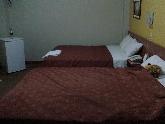 Hotel Paraiso Trujillo: Para mí solita... dos camas!