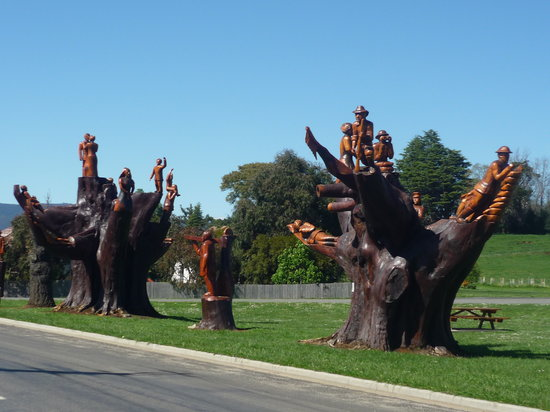 Legerwood Memorial Tree Carvings: Street of Chainsaw Carvings