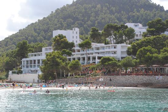 Sandos El Greco Beach Hotel: Hotel Looking back from a boat