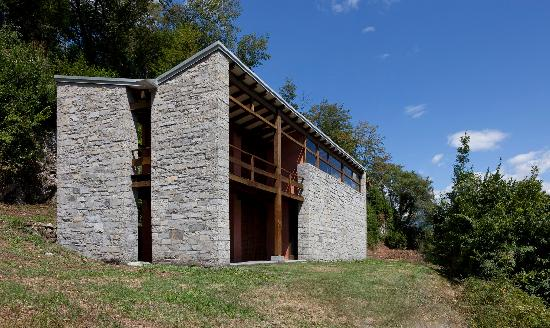 Isola Comacina: Atelier for Artists, rationalist architecture | © Photo by Daniele Marucci