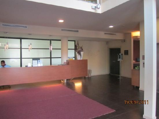 HC3 Hotel: Lobby