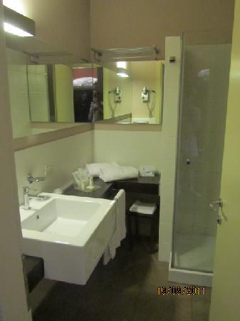 HC3 Hotel: Bathroom