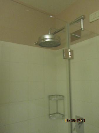 HC3 Hotel: Shower Head