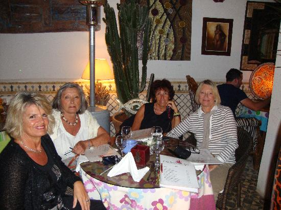 Caravane Cafe : kathy,Jeannette,Cathy,Joëlle