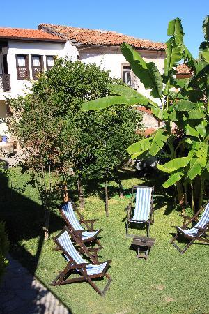 فيلا كوناك هوتل: Garden