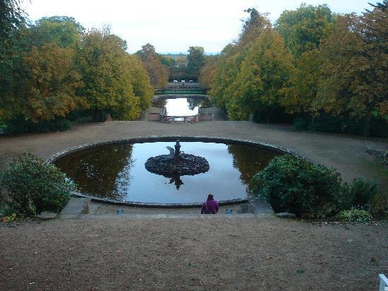 Schlosshotel Grosser Gasthof Van Der Valk Ballenstedt: Schlosspark genau vor der Tür