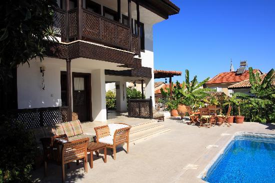 Villa Konak Hotel: Terrace
