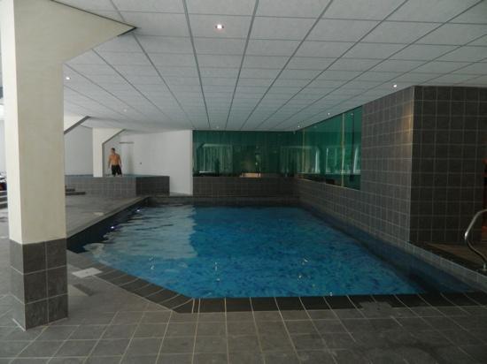 Hampshire Boshotel Vlodrop: the pool