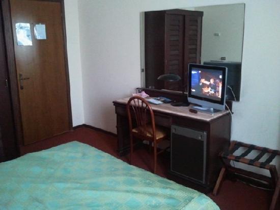 Hotel Donatello : La chambre