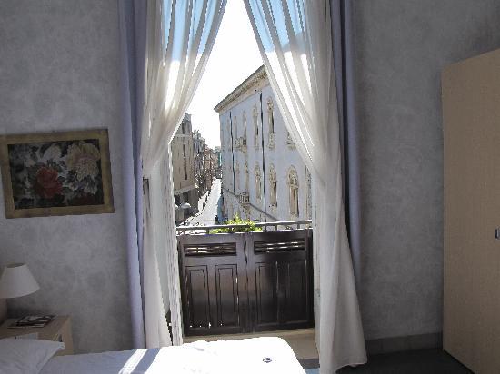 Archimede Vacanze : Vista su Piazza Archimede.