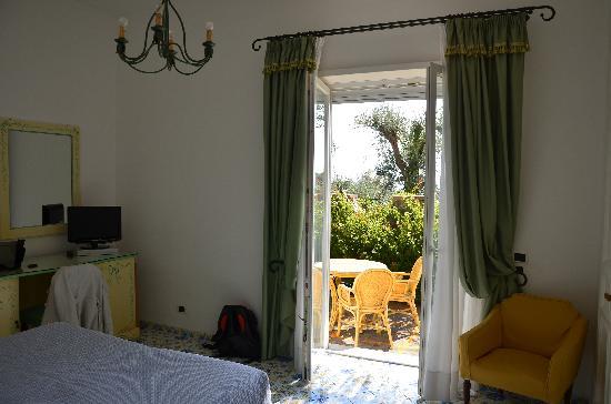 Hotel Canasta: Garden view