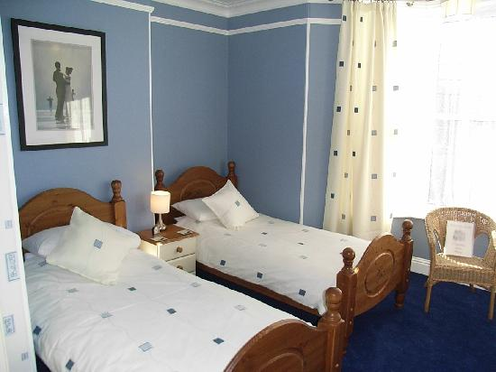 Meadowlea Guest House: twin room