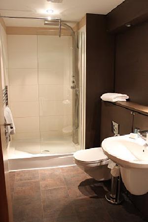 Staycity Aparthotels West End : bathroom