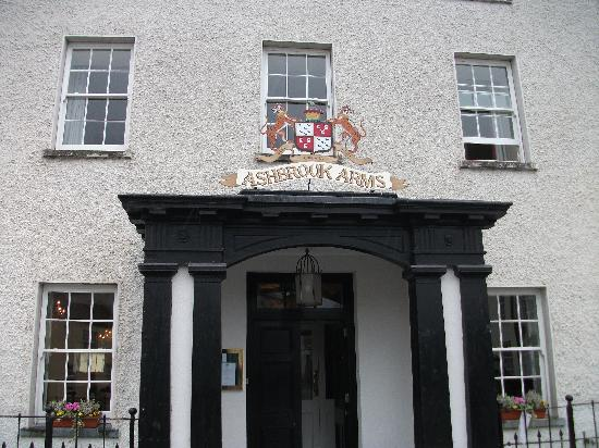 The Ashbrook Arms Restaurant and Guesthouse: Enter & feel at home.