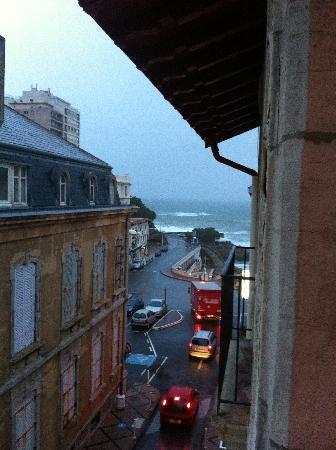 Georges VI: Blick vom Balkon im 3 Stock zum Wasser