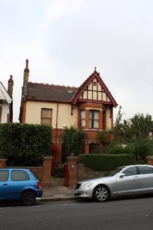 At Home London B&B: At Home B&B