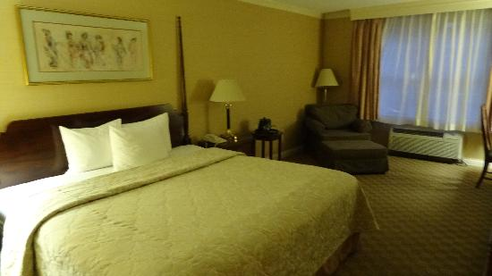Somerset Hills Hotel: Room 304