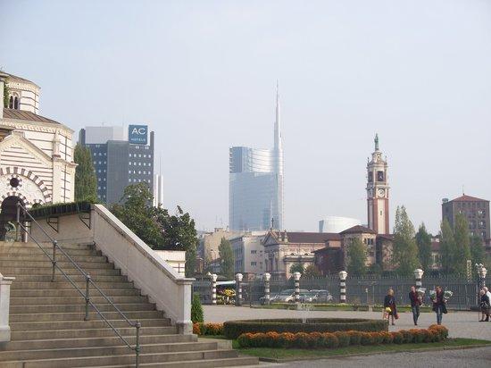 Torri Garibaldi:                   torre Garibaldi con la guglia