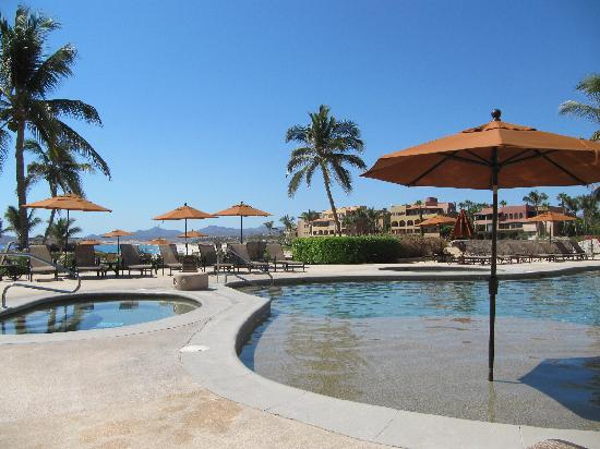 Casa Del Mar Beach Condos: Main pool - beautiful weather