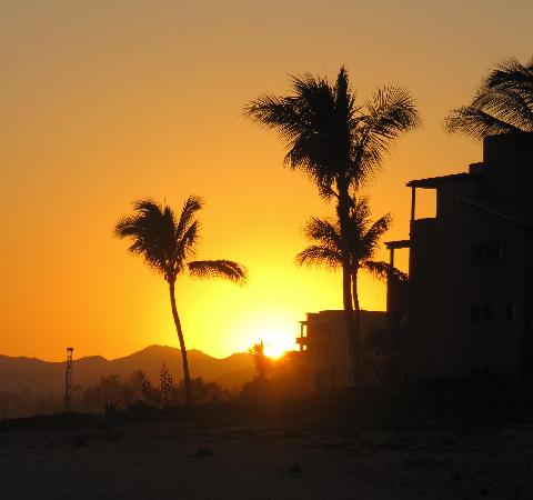 Casa Del Mar Beach Condos: sun set on the beach