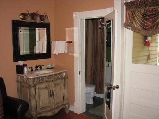 Heartstone Inn and Cottages: Veranda Room