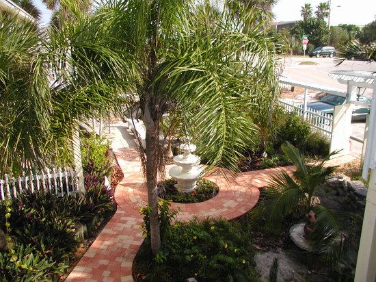 Sea Esta Villas : Welcome to Sea Esta - Courtyard Entrance