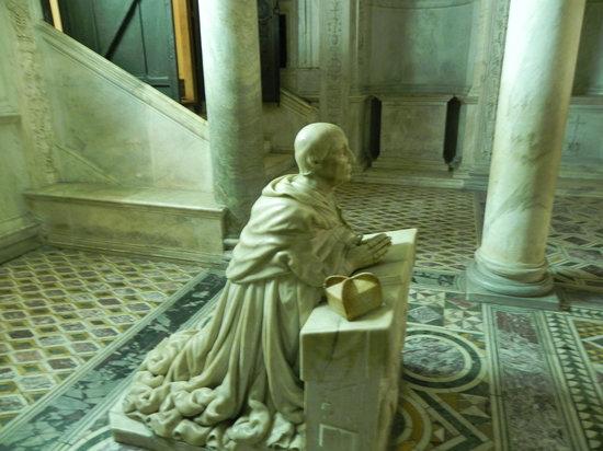 Duomo di Napoli : Naples - Duomo - Statue in crypt below the altar