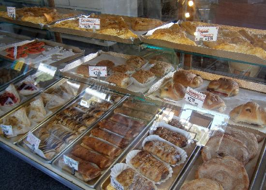 Sun-N-Buns Bakery & Party Shop: Pastries