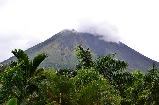 In & Basic Hostel Lounge: Volcan Arenal