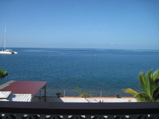 Titiwi Inn: The view from our oceanfront balcony