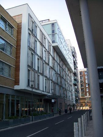 Premier Inn London Greenwich Hotel: Back of Premier Inn
