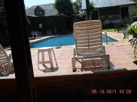 Hosteria Helvecia: La piscina