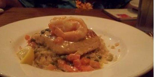 Marie Callender's Restaurant & Bakery: salmon with shrimp