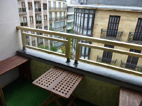 Hospedaje Donosti@ B&B: The balcony
