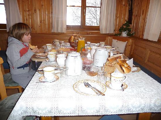 Apartmenthaus Gutwenger : Frühstück