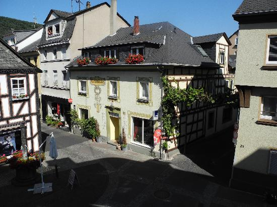 Boppard Hotel Ohm Patt: Another view from our room - quaint!