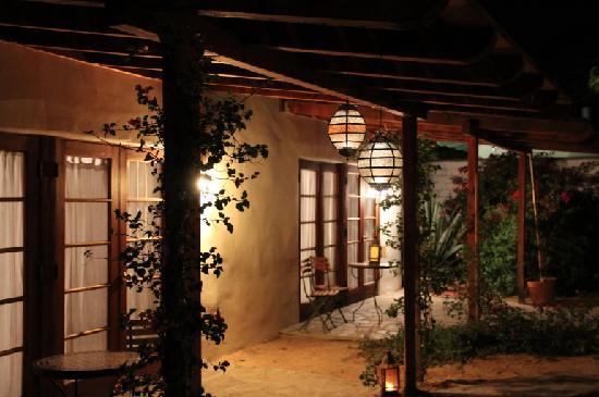 كوراكيا بنسيون: private porches