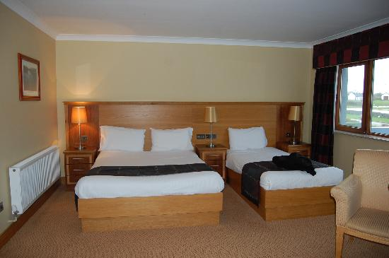 Diamond Coast Hotel: Our room